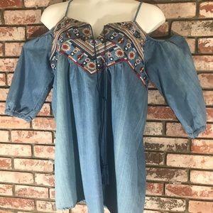 Blu Pepper women's top size 1 xl denim like tunic